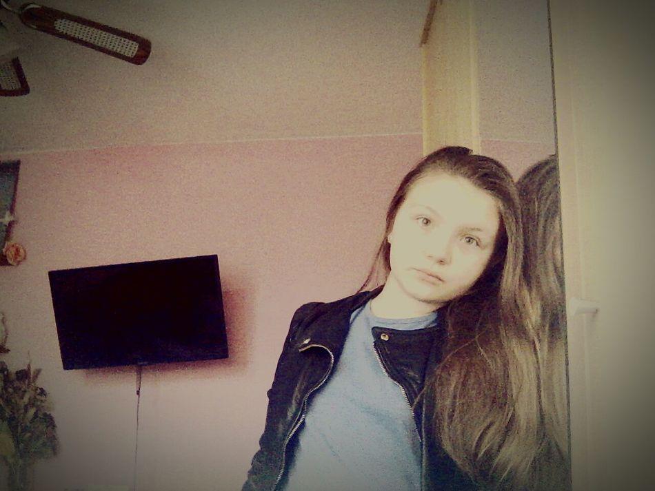 NoComentGuys😊 Stupid Girl Looking At Camera