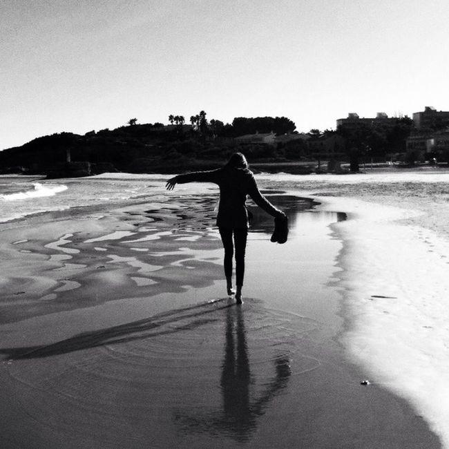 She, The Sun And The Sea