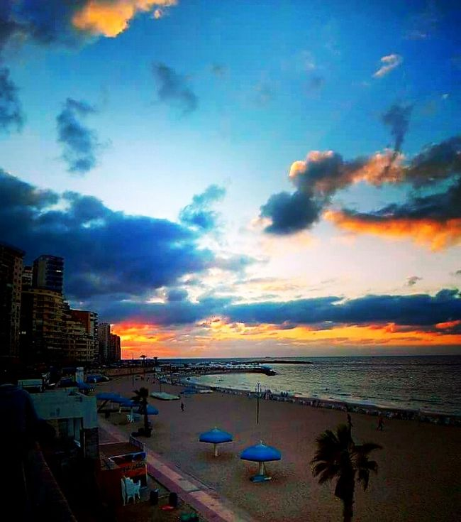 Relaxing Clouds And Sky Life Is A Beach Sanset Oktober 2016 غروب الشمس Blue Sky Enjoying Life