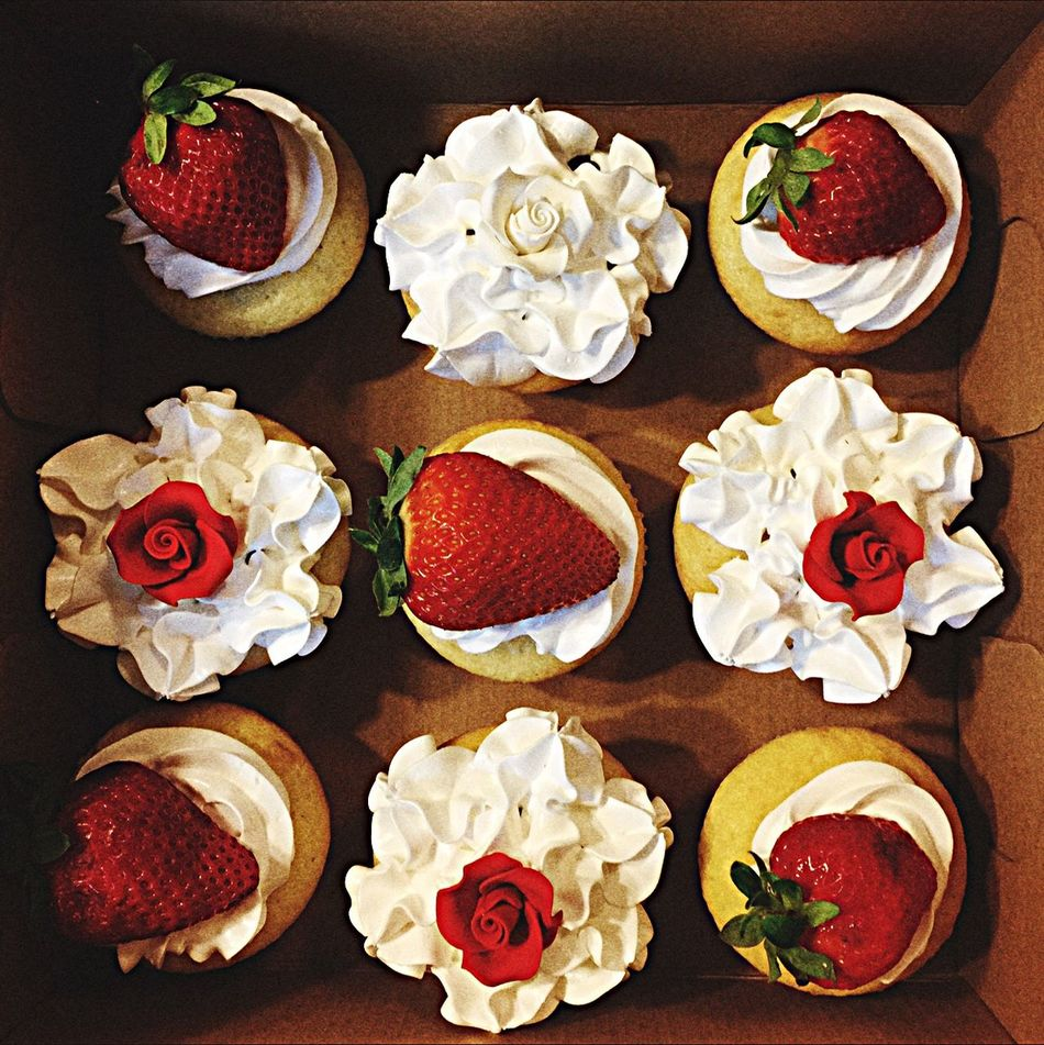 Happiness in a box. My homemade strawberries and cream Cupcakes. BakesbyDean DeanBakes Dinnerbydean