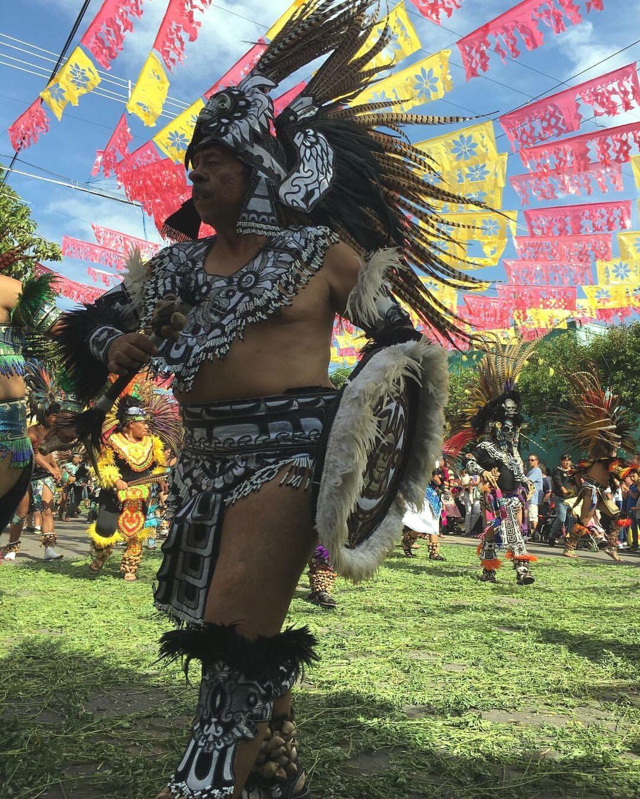 Al son de la morena Traditional Clothing Cultures Lifestyles Arts Culture And Entertainment Real People Multi Colored Celebration Day Disfrutando De La Vida
