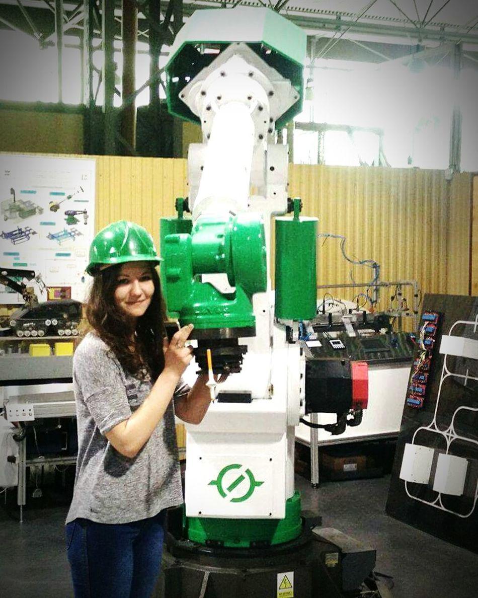 Laboratory Studying Hard Hugging WithRobot Automatic Robotics Ingenieur Polishgirl Technology Happy Smile Goodday Photooftheday Learning