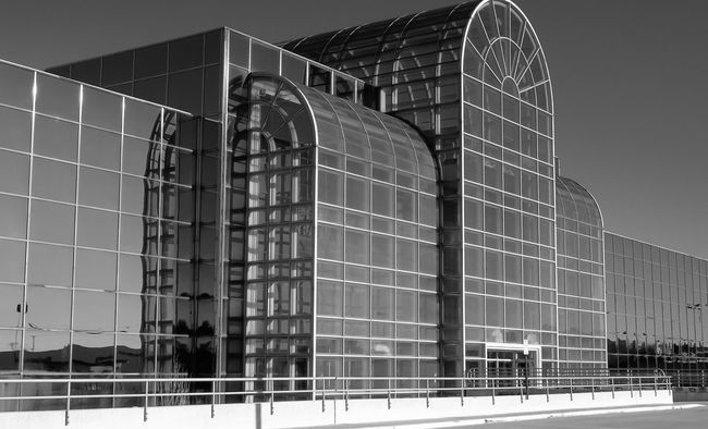 Glass front building Taking Photos Enjoying Life King Of Prussia Structures & Lines Black And White Architecture Blackandwhite Photography Glass Mirrors Structures Reflections Cityscape