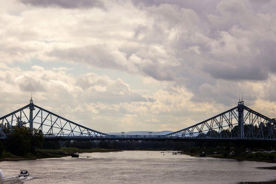 Dresden Germany Blaueswunder Engineering Cityscape Bridge The Tourist Elbe River Elbetour