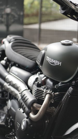 The beauty of triumph Motorcycle Outdoors Day Triumph Triumph Motorcycle Triumph Bonneville Triumph Spitfire Triumph Motorcycles Triumphmotorcycles Triumph Thruxton 900 Triumphindonesia triumph Triumphbonneville No People First Eyeem Photo