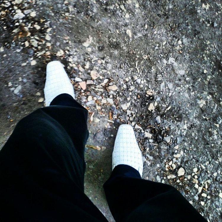 ноги пешком прогулка втуфлях
