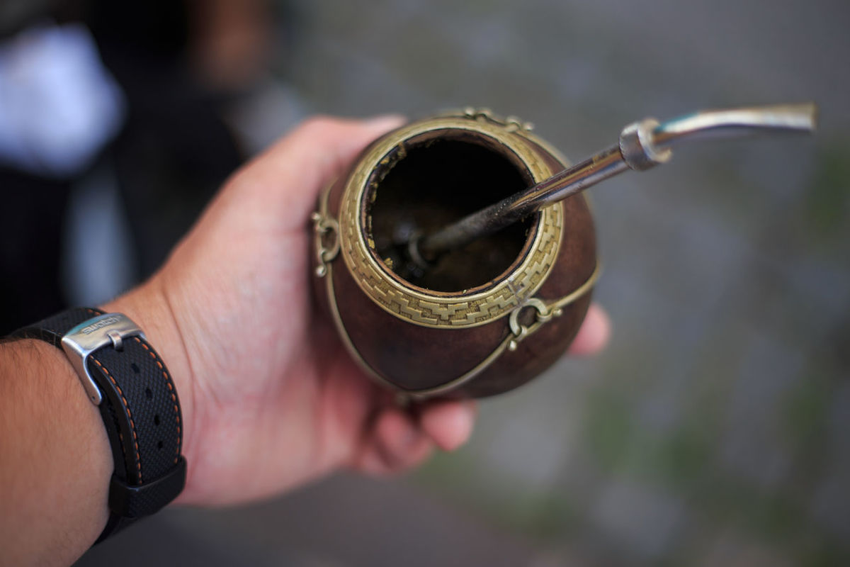 Close-up Cropped Day Detail Focus On Foreground Holding Human Finger Leisure Activity Lifestyles Mate Mate Argentino Outdoors Part Of Person Personal Perspective Ring Selective Focus Unrecognizable Person Yerba Yerba Mate