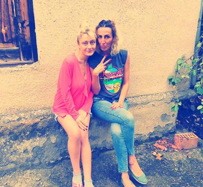 Hi! That's Me Girls Taking Photos Cousins ❤ Countryside Love Life