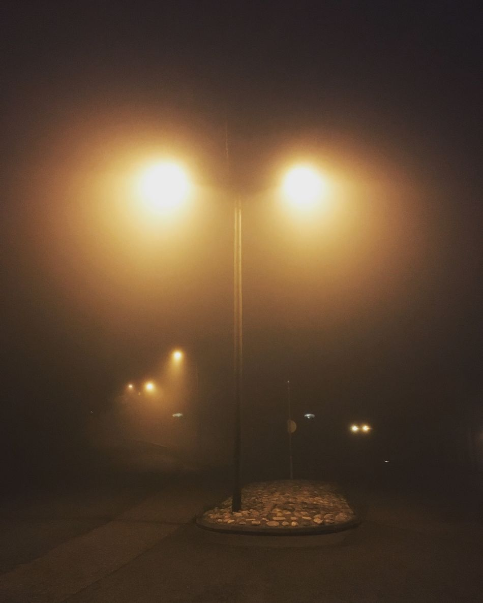 Street Light Illuminated No People Scenics Electric Light Lampposts Fog Foggy Morning Dark Darkness And Light Mist Misty Morning Onmywaytowork Fall