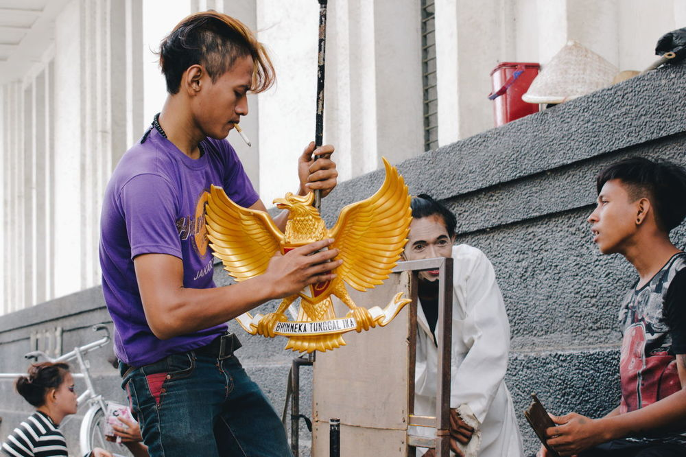 These guys were street artists. They were preparing to be a living statue around Kota Tua, Jakarta. Most of them dress as a soldier and famous national heroes. Jakarta, 2017. Adult Art Art Performance Culture Human Statue Living Statue People Performance Preparation  Real People Tourist Attraction  Tourist Destination Travel Travel Destinations Travel Destinations In Jakarta Working Art Is Everywhere