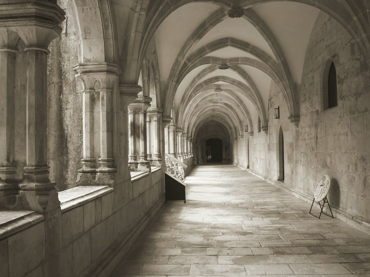 Cloister Built Structure Travel Destinations Day Arch Indoors  Church Colonnade No People Monochrome Architecture UNESCO World Heritage Site Quiet Tranquil Scene Cloister Portugal Batalha Beauty Christianity Soul Stones Arcade EyeEm Gallery EyeEm Best Shots Architecture