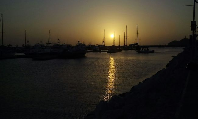 Hermoso atardecer en mi ciudad...!! Atardecer Santa Marta, Colombia Bahia La Perla De America Marina Santa Marta