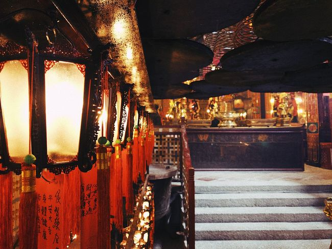 Illuminated Architecture Urban Exploration VSCO Vscocam Layovers Indoors  Spiritual An Eye For Travel
