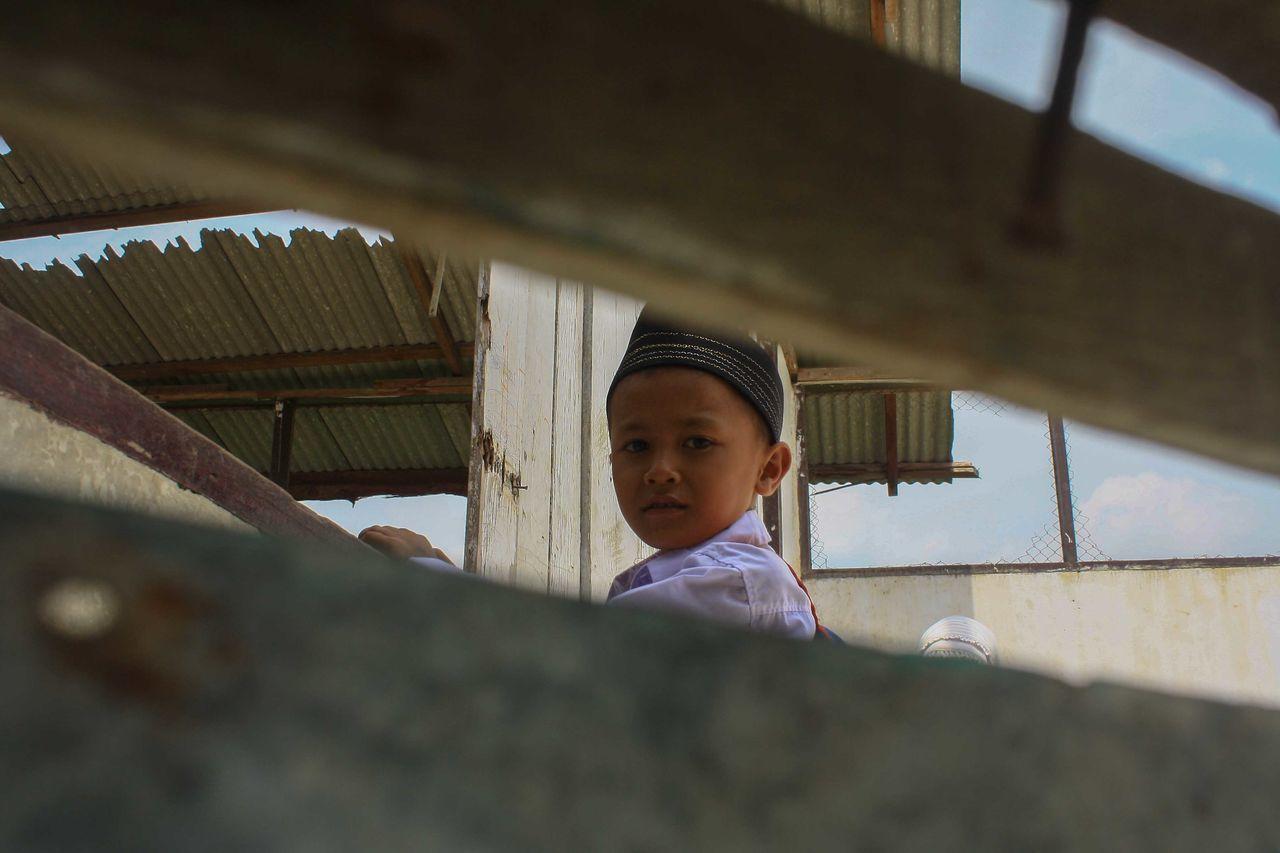 School with no roof Potraiture Schoolday School Life  School Pfimedan Pfiindonesia Pewartafotoindonesia Jurnalist Photojournalism EyeEm Gallery EyeEm Best Shots EyeEmBestPics EyeEm Foto_tri INDONESIA