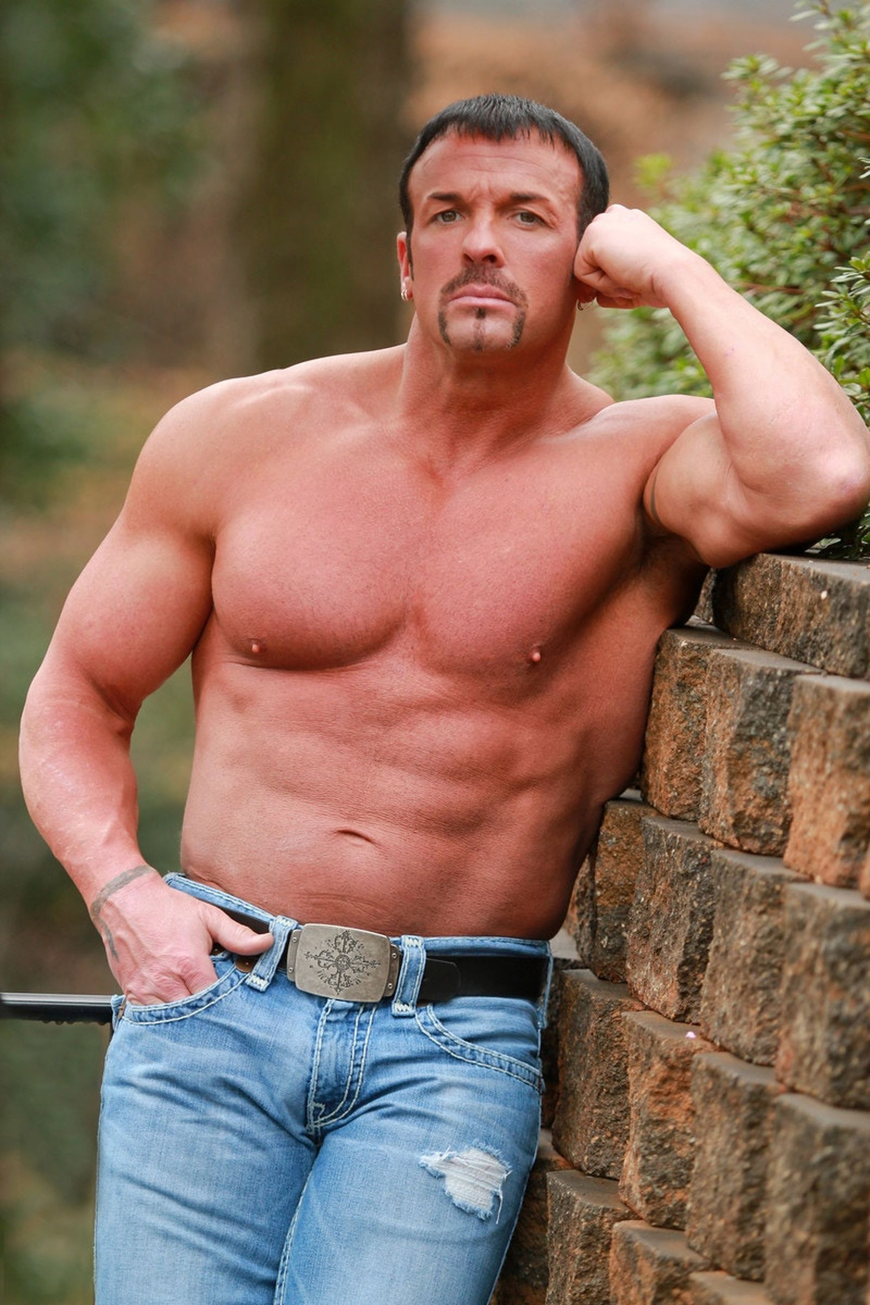shirtless, one person, leisure activity, real people, muscular build, lifestyles, outdoors, standing, front view, day, handsome, casual clothing, men, portrait, young adult, one man only, fashion model, only men, adult, people, adults only