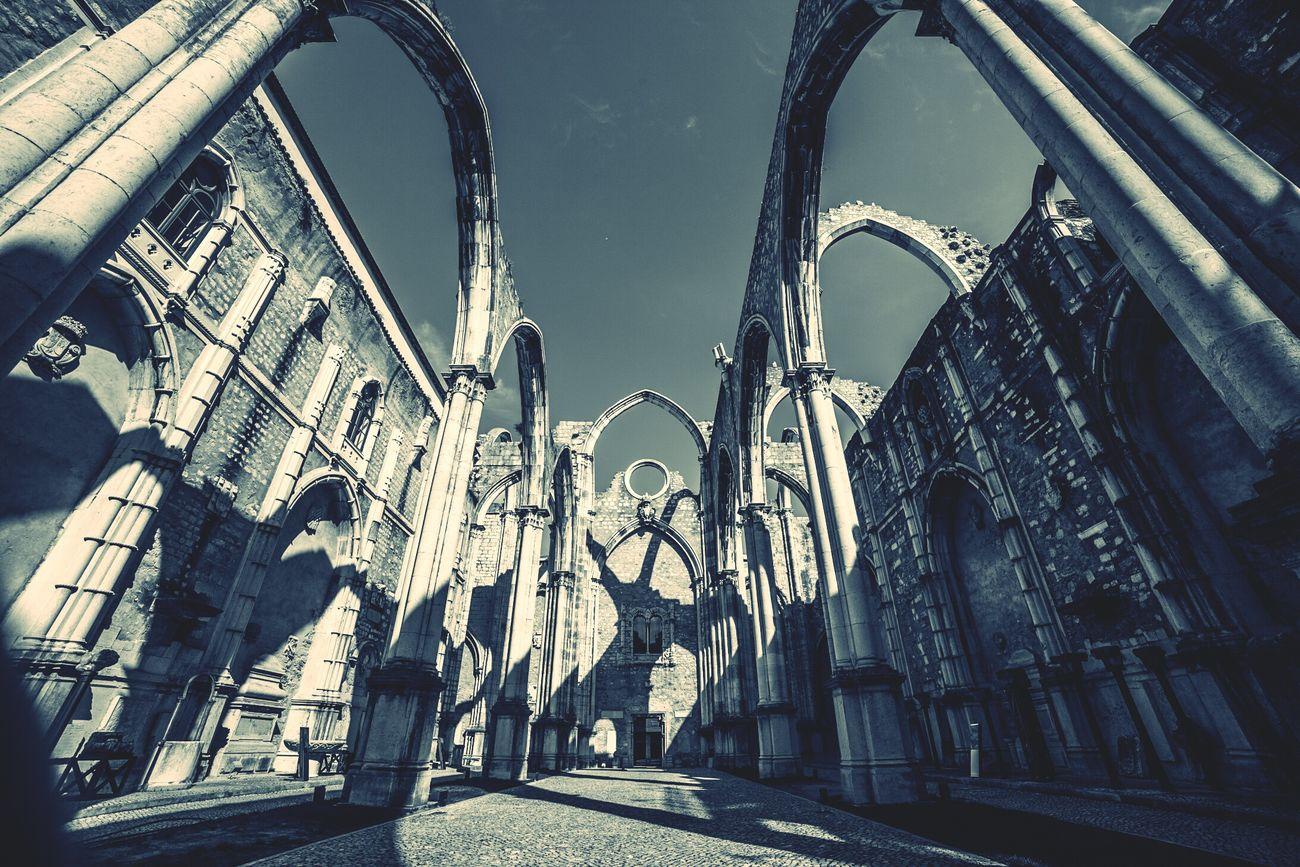 Lisbona Portugall church destroyed by an earthquake