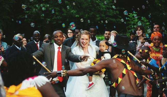 Wedding ⚭ Large Group Of People Lifestyles Leisure Activity Person Togetherness Enjoyment Friendship Fun Weekend Activities Tourism Smiling Weddinginspiration Weddingphotography Weddingday  Multi Colored Focus On Foreground Love Bouquet Rose - Flower Happiness Still Life Colorful Wedding Photos Night Glowing