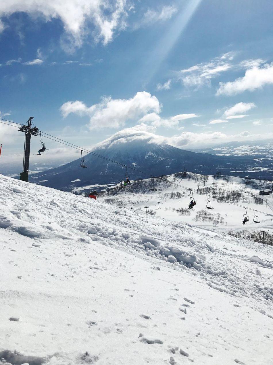 雪山が恋しい… 北海道 日本 Snowboard Travel Hokkaido Hokkaido,Japan Japan Snow Cold Temperature Nature Mountain Sky Cloud - Sky Beauty In Nature Day Scenics Tranquil Scene Tranquility White Color Outdoors Landscape Overhead Cable Car Ski Lift Transportation Sunlight