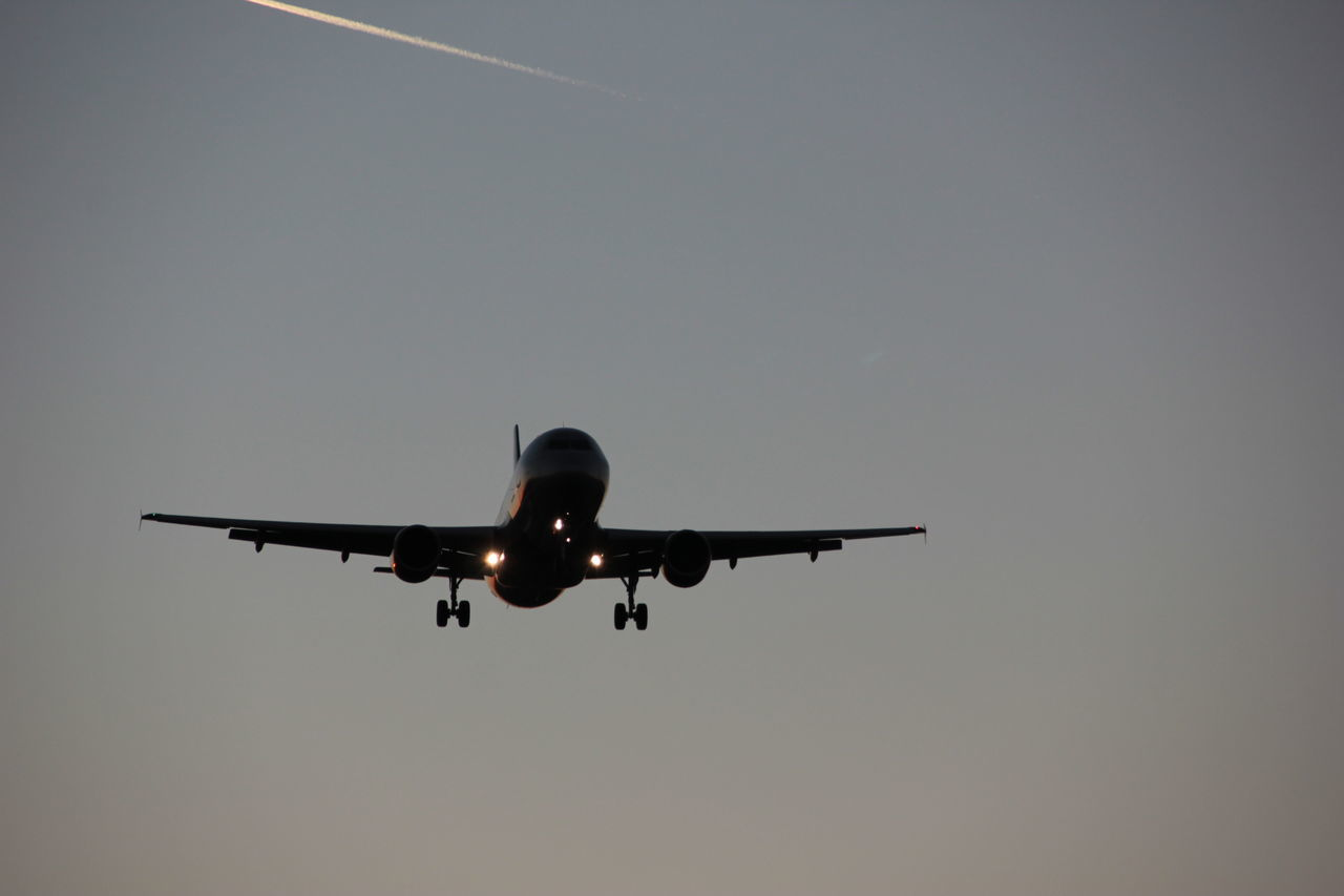 airplane, flying, journey, transportation, air vehicle, clear sky, no people, low angle view, sky, outdoors, day