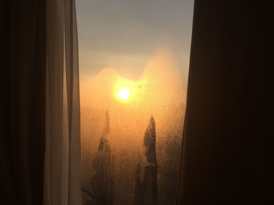 Atmosphere Blur Cold Days Condensation Curtain Hotel Room IPhoneography Morning No People Sun The Purist (no Edit, No Filter) Window こn It's Cold Outside