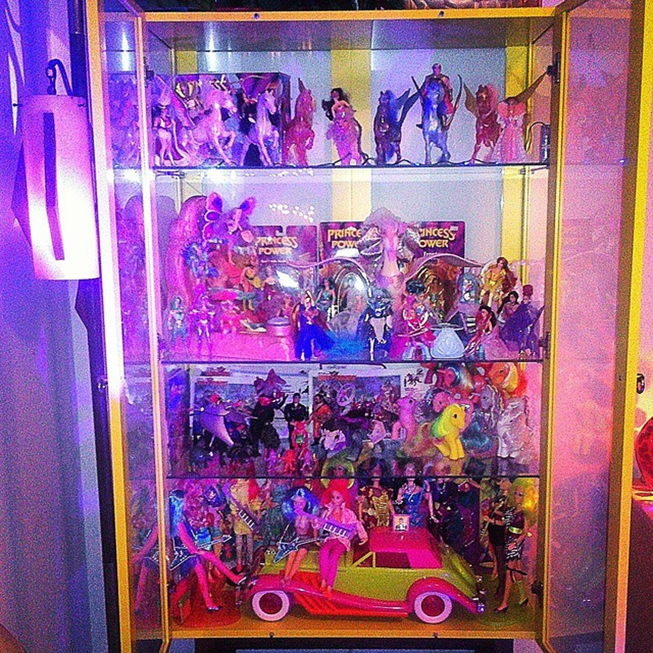 I was tagged by @toy_collecting_brothers to take a Shelfie . This is what the corner cabinet looks like at night. I'm still working on the setup, big time! Contents include: Motu , Dinoriders , Mlpg1 , Motuknockoff and Jemandtheholograms . I nominate @laarhoventoys, @pooptroop and @ninja_vanish_og to shelfie it up! I would nominate @jaimetheteleviper, but he tagged me weeks ago to do an audio-something and I haven't yet done so. Boo... 80stoys Vintagetoys Vintagedolls Vintageactionfigures Toycrewbuddies Toycollector 80spopculture Mattycollector Hasbro Tyco Toycollection Princessofpower Mattel Toypics Shera