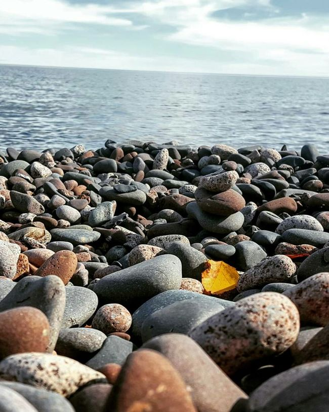 Water Beach Horizon Over Water Pebble Tranquil Scene Shore Scenics Tranquility Beauty In Nature Surface Level Stone - Object Pebble Beach Rocky DuluthMN Lake Life Lake Superior Cabin Life Fall Beauty Minnesota Nature Beauty In Nature Minnesota Lake Making Waves Blue Skies Waterfront