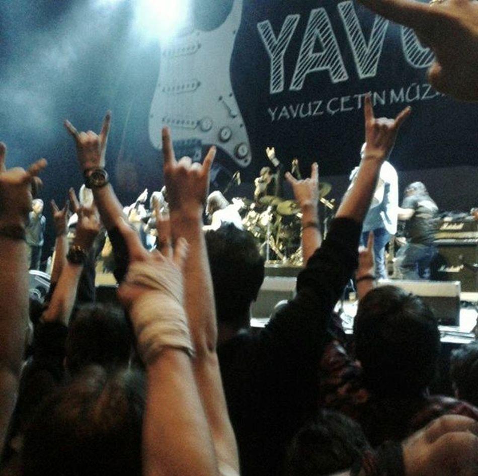Rock it! \m/ 📷: @didemberkes Yavuzfest