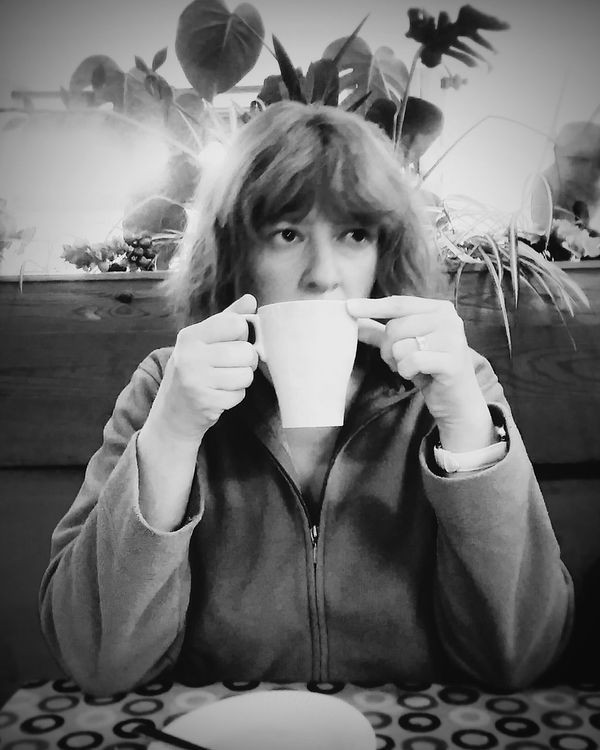 """""""Be nice and never step on a bee"""" Quotes Advice For Life QuoteThe Portraitist - 2016 EyeEm Awards Black Blackandwhite Family Coffee Mother Beautiful Portrait Woman Unnoticed Scotland Love"""