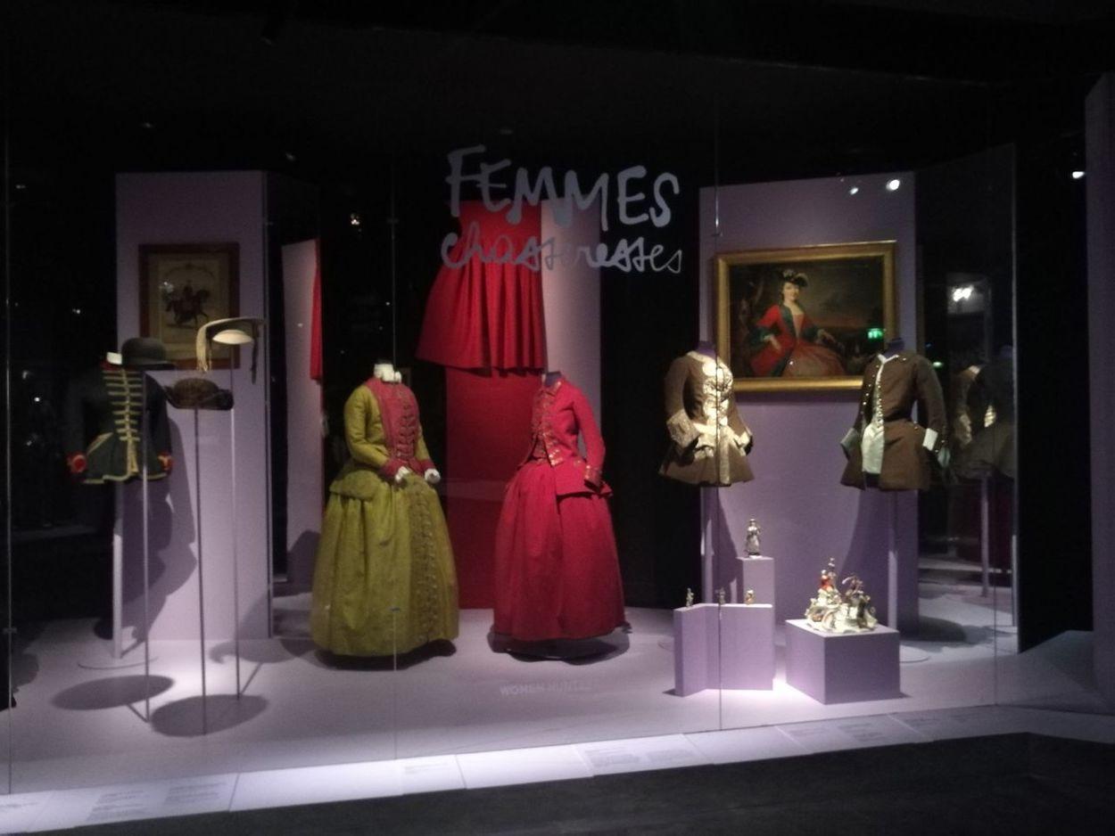 """""""Tenue correcte exigée"""" Arts Culture And Entertainment Arts Culture Paris Parichat.leto Haute-couture Traditional Costume Costume ArtLife Dresses Provocative Couture French"""