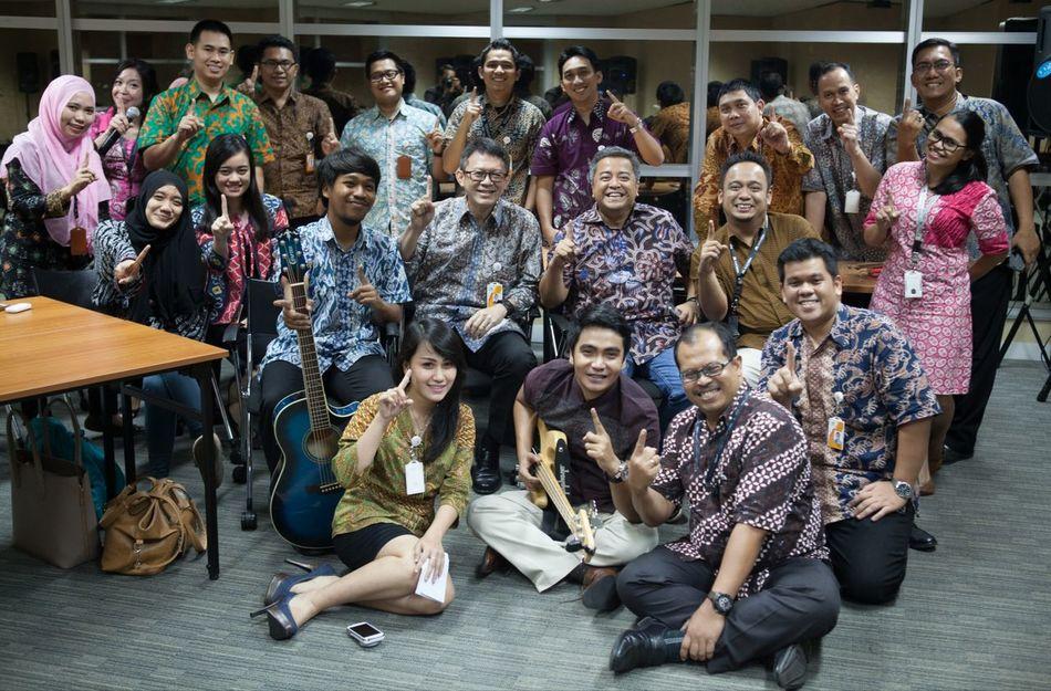 Night to remember with mega club.. Megaclub Jakarta Familyportrait INDONESIA BankMega Megabank Menarabankmega Artdivision Music Family