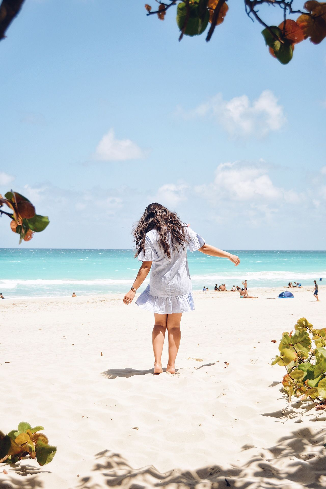 Free your heart! Sea Beach Horizon Over Water Real People Scenics Barefoot Vacations Standing Lifestyles Warm Weather Beach Life Life By The Sea Dancing Free Ocean View The Great Outdoors - 2017 EyeEm Awards Cuba Varadero