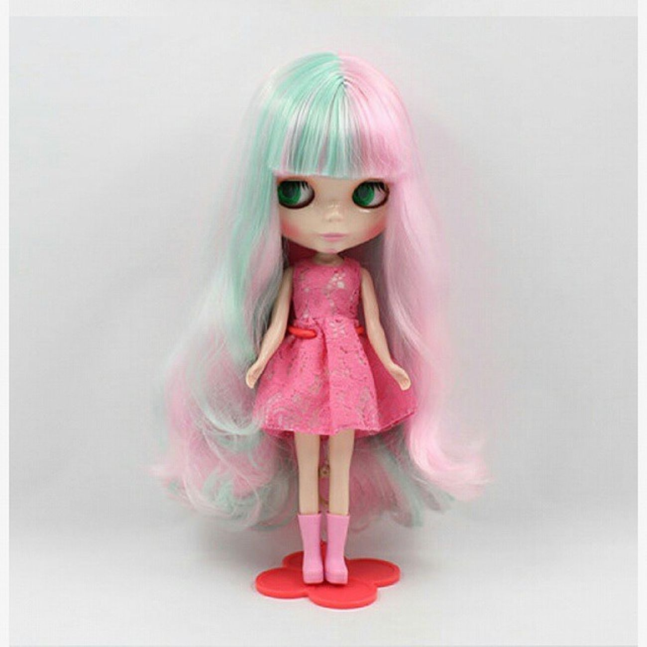Wanna take her home!!! Saving money~~~ Takarablythe Blythe Blythedoll Doll