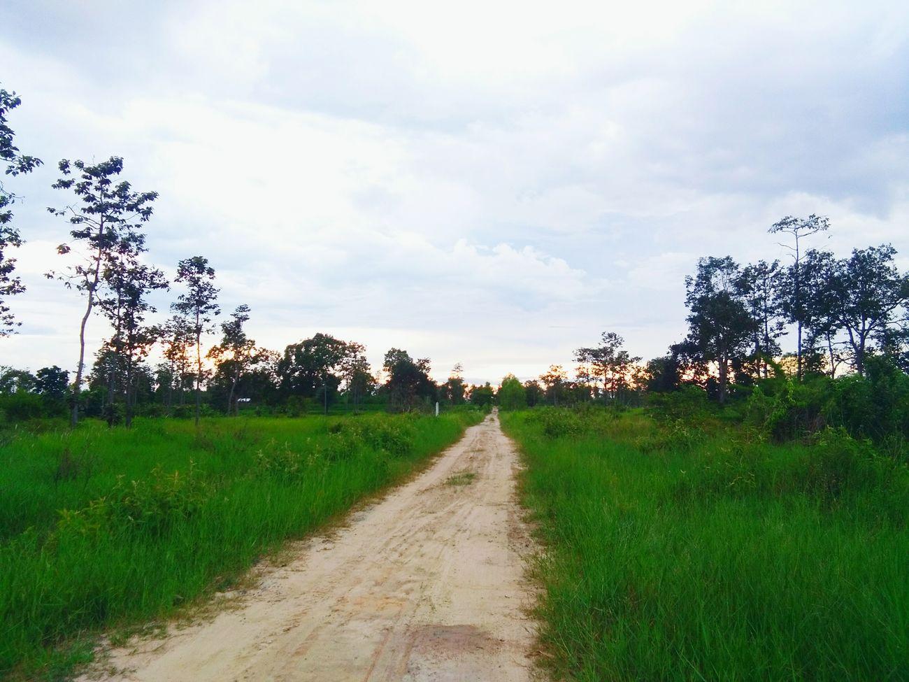 ไม่ว่าหนทางข้างหน้าของเรา จะเป็นยังไง ก็ไม่สรุปได้ว่าระหว่างทาง ที่เราเดินร่วมกัน จะเป็นทางที่ดีเสมอไป...🎌🎌🎌