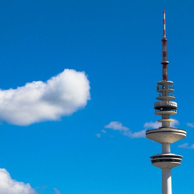 Heinrich-Hertz-Fernsehturm HH Fernsehturm Hh Instalike Instahamburg Instamood Hamburgmeineperle Aroundtheworld Television Tower Hamburg Schoenstestadtderwelt Building Germany Turm Sky Clouds Fluffyclouds Fluffy Twinkle Intotheblue  Blue
