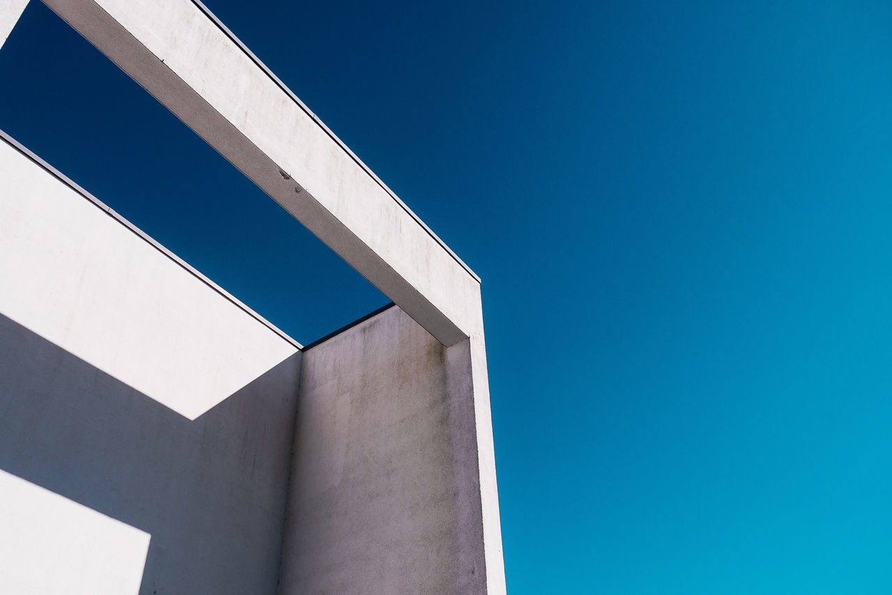 Look! No birds! Architecture Blue Building Exterior Built Structure Clear Sky Close-up Day Futuristic Low Angle View Minimalism Minimalobsession Modern No People Outdoors Pattern Sky
