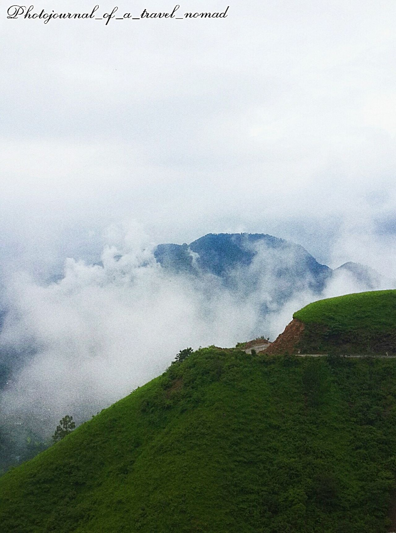 Clouds and peaks playing hide and seek ... Nature's beauty ... Eyeem India Photojournal_of_a_travel_nomad Traveller_india White Clouds The Traveler - 2015 EyeEm Awards EyeEm Best Shots - Landscape Green Peaks Living The Dream Mountains And Sky Natureshiddenbeauty