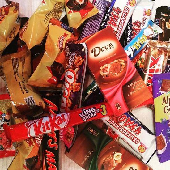 Вот так вот желают мне выздоровления 😊 З- забота 😇сладости вкусняшки шоколад приятности chocolatessweetsgiftthanksomnomnomhappiness