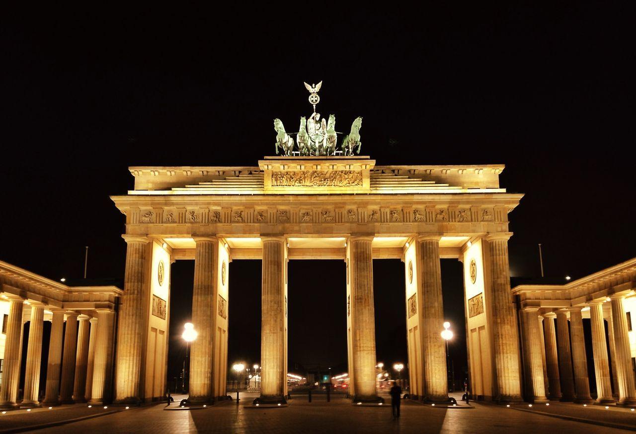 Beautiful stock photos of berlin, Animal Representation, Architecture, Berlin, Brandenburger Tor
