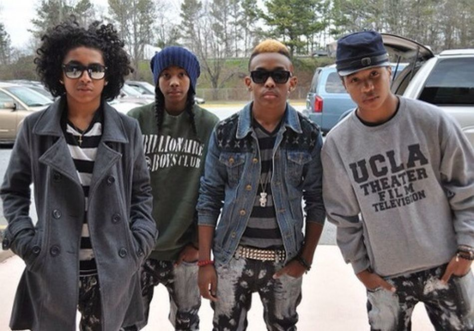 Attention Mindless Behavior You Guys Need To Come Back To Richmind Vorginia Cuz U Have So Many Fans Here But U Guys Barely Cuz We Lobe U Guys Soo Much