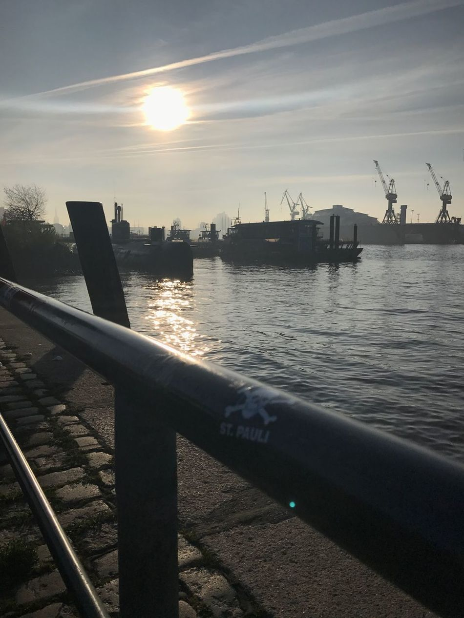St. Pauli 🙃 Water Elbe Sky No People Sun Nature Outdoors Harbor Sea Day Beauty In Nature Wasser Sonnenaufgang Sonnenschein  Schiff Docks Hamburg St. Pauli Reeperbahn  Himmel Hafen Nature Sunset #sun #clouds #skylovers #sky #nature #beautifulinnature #naturalbeauty #photography #landscape Hamburger Hafen