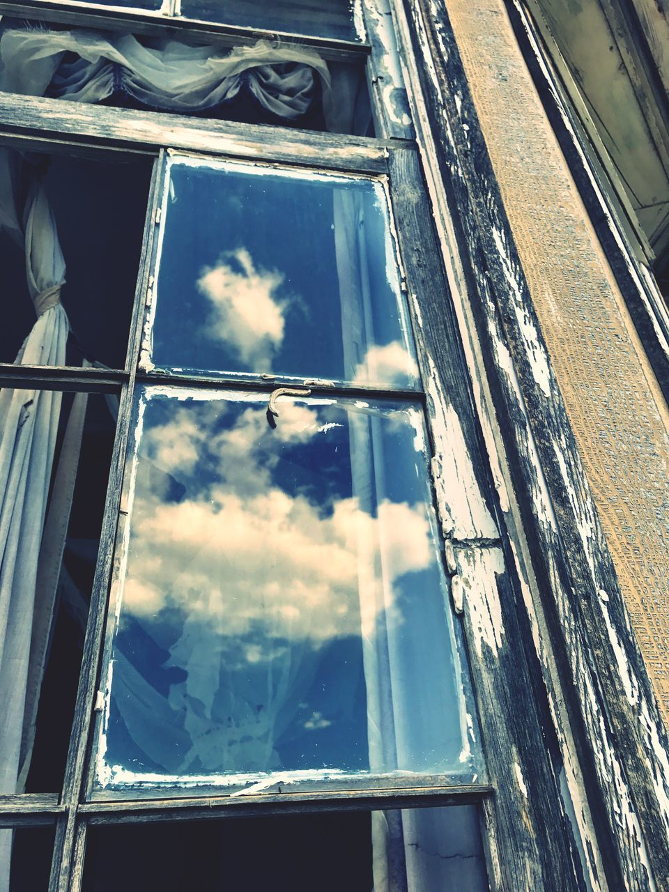 window, no people, day, indoors, close-up, sky