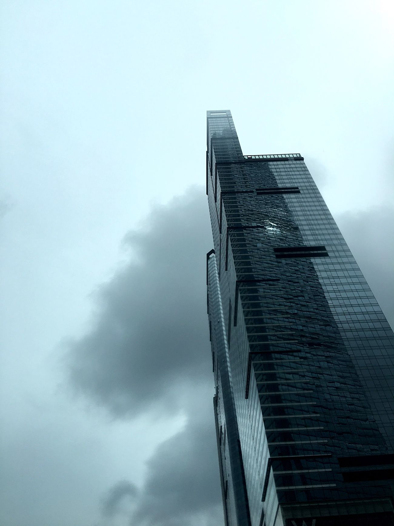Architecture After The Typhoon Street Photographer-2016 Eyem Awards Light And Shadow Eye4photography  Hong Kong IPhoneography Hong Kong Architecture Building And Sky Building Exterior Building Reflection Cloud And Sky