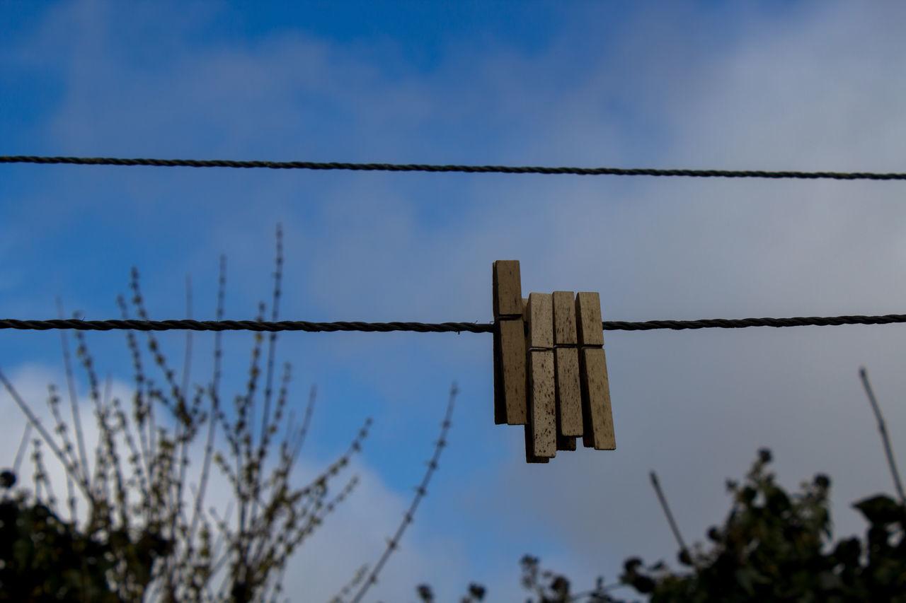 Cable Day Forbidden Himmel Nature No People Outdoors Sky Wäscheklammer Wäscheleine