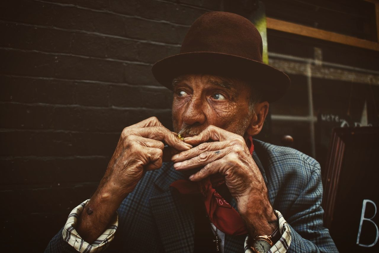The eyes of an old man are like monitors, which reproduce endless stories... Streetphotography Oldman Vintagestyle Portrait London Life Nikon D5500 The Portraitist - 2017 EyeEm Awards The Portraitist - 2017 EyeEm Awards The Street Photographer - 2017 EyeEm Awards EyeEm LOST IN London