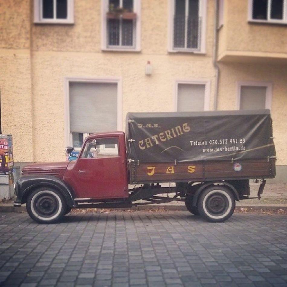 Firmenfahrzeug Altekarrenbattle Oldtimer Berlin Lichtenberg
