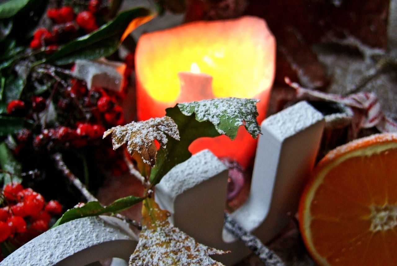 Burning Candlelight Christmas Decorations Christmastime Close-up Cozytime Freshness Handmade By Me Low Light Photography No People Orange Red Winter Style Wintertime
