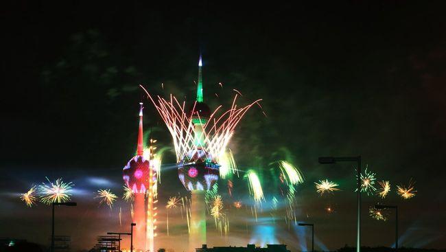 Showcase March Celebrating Kuwait Towers opening Kuwait Kuwait Towers Fireworks كويت الكويت
