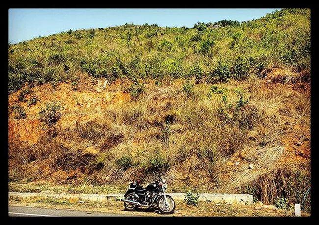 Yet another weekend, yet another drive :) Bhubaneswar Odisha Travel Samsung Galaxy S6 Royalenfieldbeasts Royalenfield Thunderbird