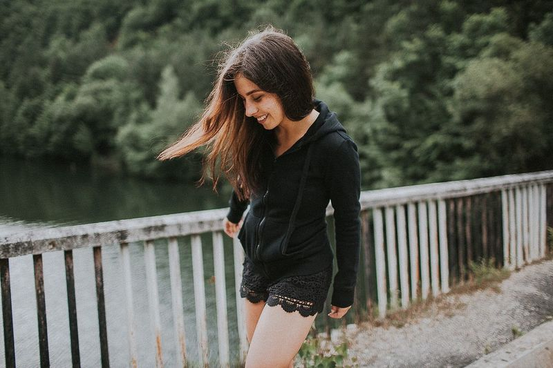 Young Adult Water Long Hair One Young Woman Only One Person One Woman Only Nature Outdoors Young Women Only Women Tree Adult Adults Only People Day Wanderlust Wandering Wanderer Travel Travel Destinations