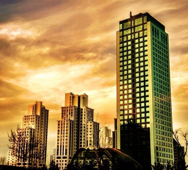 Hanging Out Reflection Clouds Streetphotography Sun Sunset Taking Pictures Skyline City Urban Sunrise Sky Landscape Enjoying The Sun Taking Photos Building Cityscapes Clouds And Sky Istanbul Cloudporn Skyscrapers Skyporn #sunset #sun #clouds #skylovers #sky #nature #beautifulinnature #naturalbeauty #photography #landscape Sky And Clouds Eye4photography  Hot_shotz